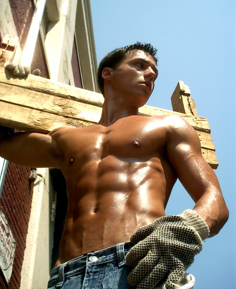 http://lisafoxromance.files.wordpress.com/2010/08/sexy-construction-worker.jpg