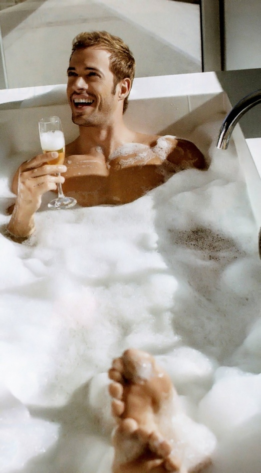 william-levy-champ-bubblebath
