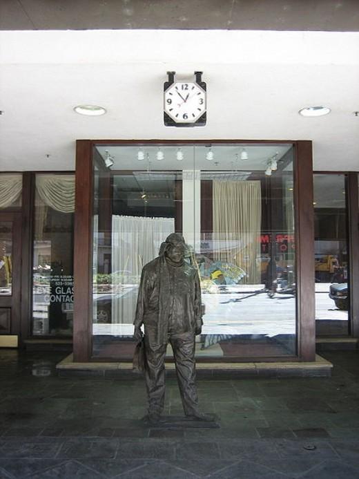 confederacy of dunces statue