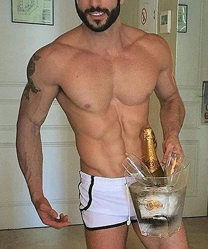 champ bucket sexy