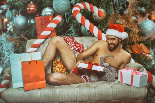 christmas-gifts-nude-santa